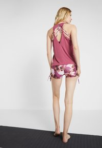 Onzie - FLOW TANK - Top - mauve - 2