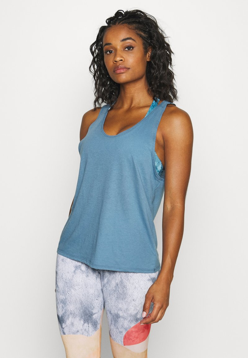 Onzie - SLIT BACK TANK - Top - pewter