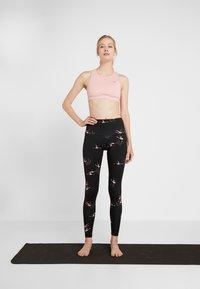 Onzie - HIGH RISE LEGGING - Collants - pink - 1