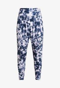 Onzie - HAREM PANT - Pantalon de survêtement - white - 3
