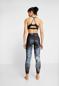 Onzie - HIGH RISE GRAPHIC MIDI - Legging - element - 2