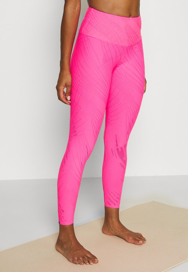 SELENITE MIDI - Leggings - neon pink