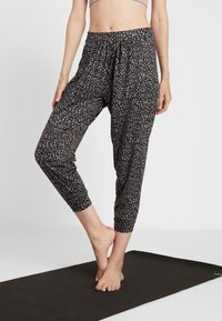 Onzie - UNWIND PANT - Pantalon de survêtement - honey - 0