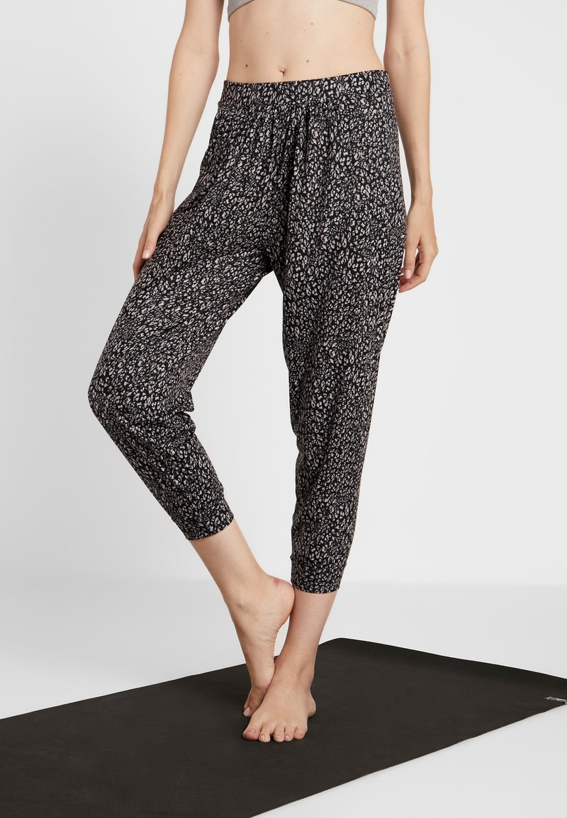 Onzie - UNWIND PANT - Pantalon de survêtement - honey
