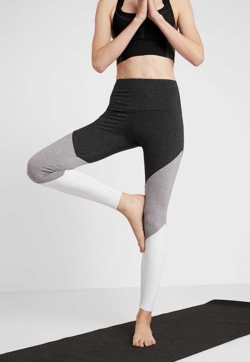 Onzie - HIGH RISE TRACK LEGGING - Punčochy - slate gray