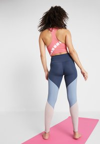 Onzie - HIGH RISE TRACK LEGGING - Collants - blue - 2