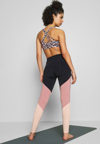 Onzie - HIGH RISE TRACK LEGGING - Tights - black/ash rose - 2
