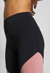 Onzie - HIGH RISE TRACK LEGGING - Legging - black/ash rose - 4