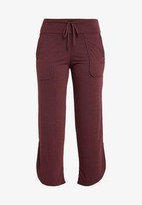 Onzie - PANT - Pantalon de survêtement - burgundy - 3