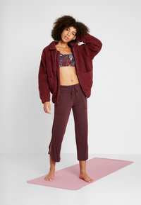 Onzie - TEDDY JACKET - Outdoorjas - burgundy - 1