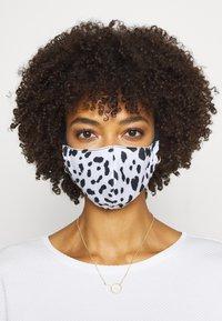 Onzie - MASK ASSORTED 2 PACK - Community mask - tortoise shell/white cheetah - 3