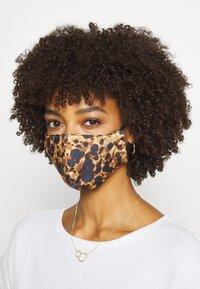 Onzie - MASK ASSORTED 2 PACK - Community mask - tortoise shell/white cheetah - 2