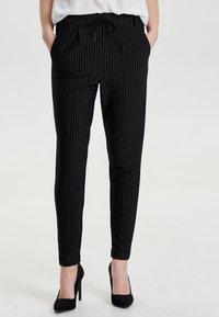 ONLY - ONLPOPTRASH  - Pantaloni sportivi - black - 0