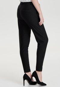 ONLY - ONLPOPTRASH  - Pantaloni sportivi - black - 2