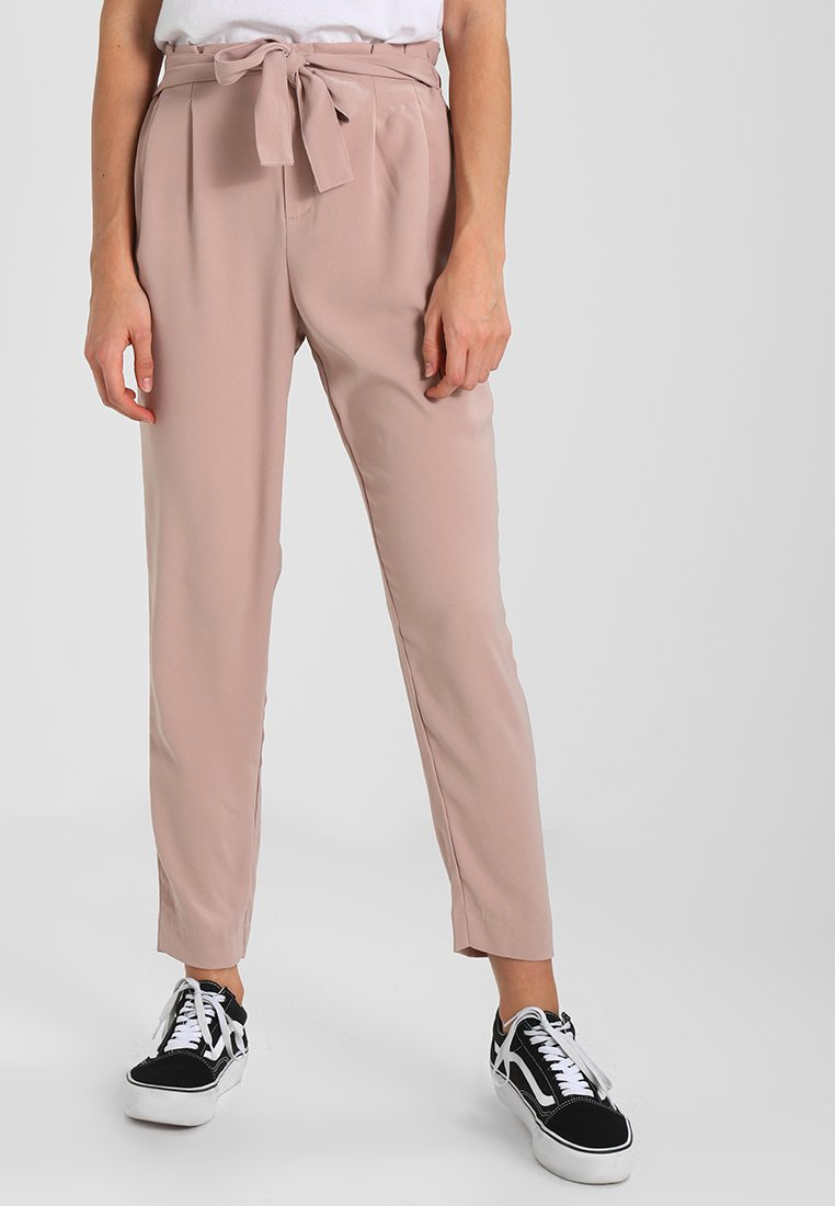 ONLY - ONLFLORENCE BELT ANKLE PANT - Trousers - fawn