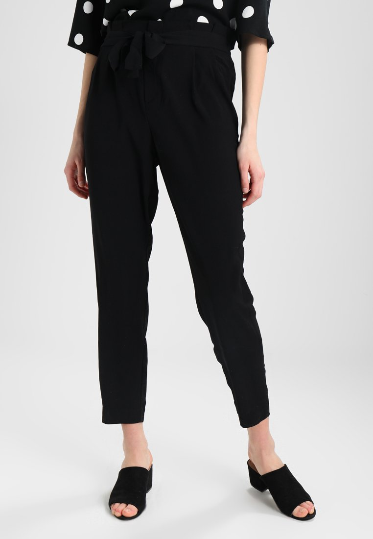 ONLY - ONLFLORENCE BELT ANKLE PANT - Trousers - black