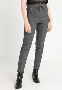 ONLY - ONLPOPTRASH SOFT CHECK PANT - Pantaloni - black/cloud dancer - 0