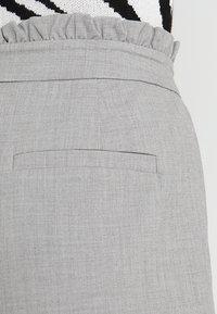 ONLY - ONLLEMON PAPERWAIST PANTS  - Kalhoty - light grey melange - 5