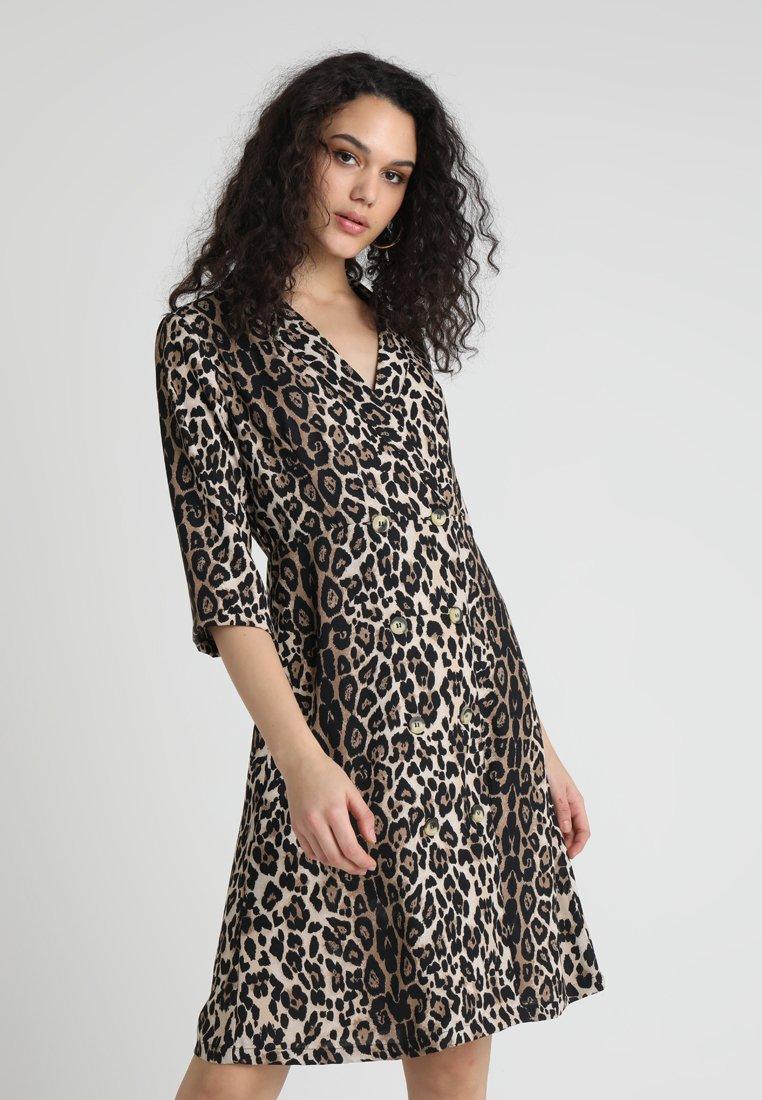 ONLY - ONLJADE DRESS  - Vestido camisero - light brown