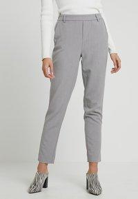 ONLY - ONLCOOL ANKLE PANT - Bukse - light grey melange/white - 0
