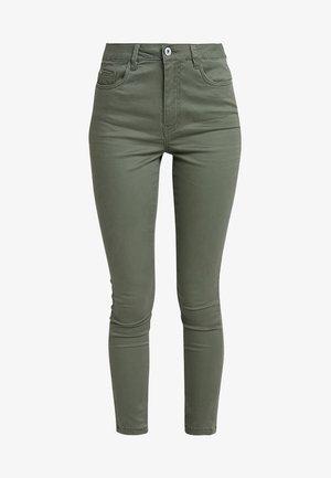 ONLTOULOUSE ANKLE PANT - Bukse - kalamata