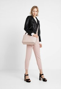 ONLY - ONLFINI PAPERBAG ANKLE PANT - Pantalon classique - misty rose - 1