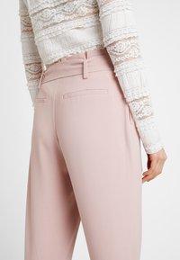 ONLY - ONLFINI PAPERBAG ANKLE PANT - Pantalon classique - misty rose - 4