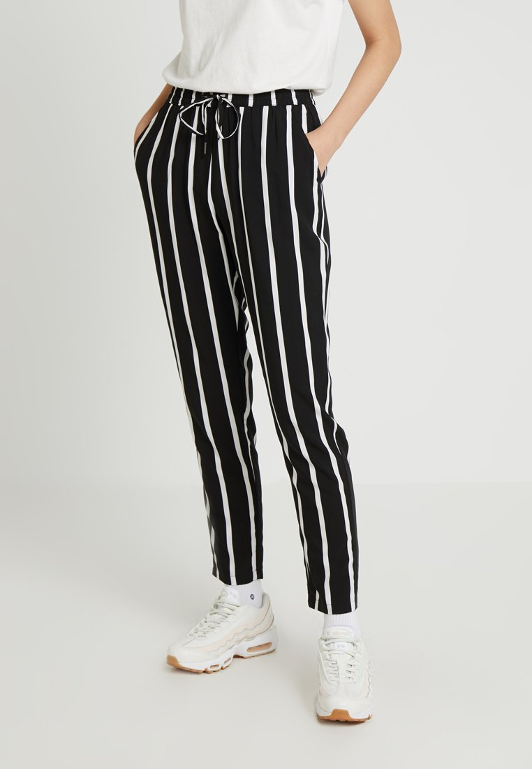 ONLY - ONLNOVA PANT - Stoffhose - black/white