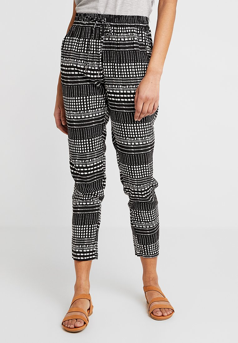 ONLY - ONLNOVA PANT - Trousers - black