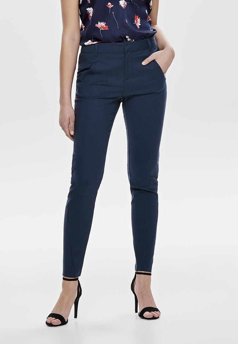 ONLY - ONLSTRIKE ANKLE PANT - Broek - navy