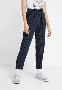 ONLY - ONLANNYA PINSTRIPE BELT PANTS - Stoffhose - night sky/cloud dancer - 0