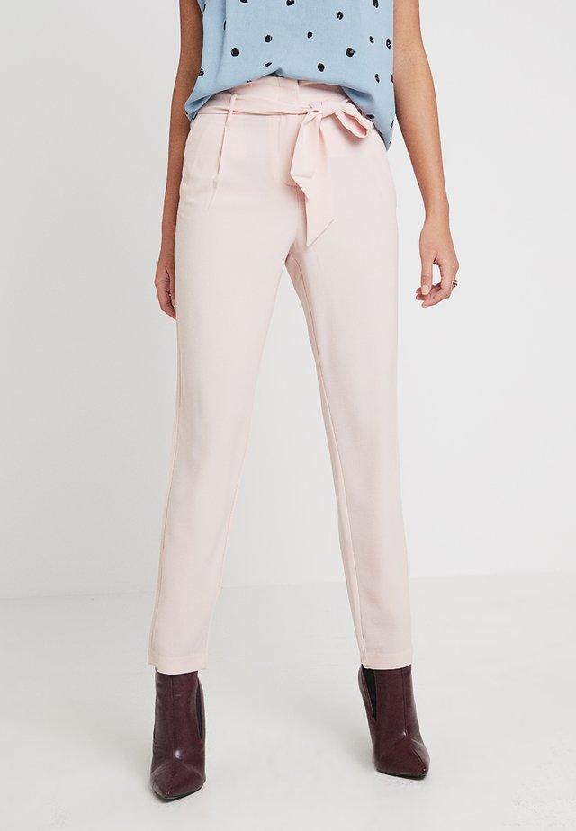 ONLRUNA PAPERBAG PANT - Pantalones - rose smoke
