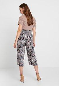 ONLY - ONLNOVA CROPPED PALAZZO PANT  - Pantalones - black - 2