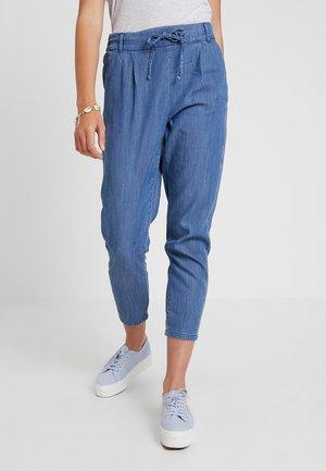 ONLPOPTRASH MIX - Trousers - medium blue denim