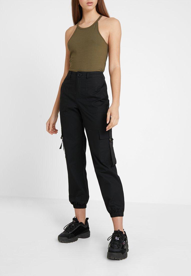ONLY - ONLIRINA STRAP DETAIL COMBAT PANT  - Kalhoty - black
