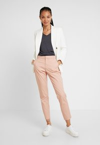 ONLY - ONLMELLOW PANT - Chinos - misty rose - 1