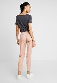 ONLY - ONLMELLOW PANT - Chinos - misty rose - 2