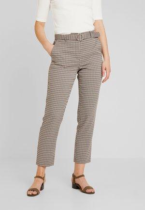 ONLISAK PANT  - Pantalones - decadent chocolate