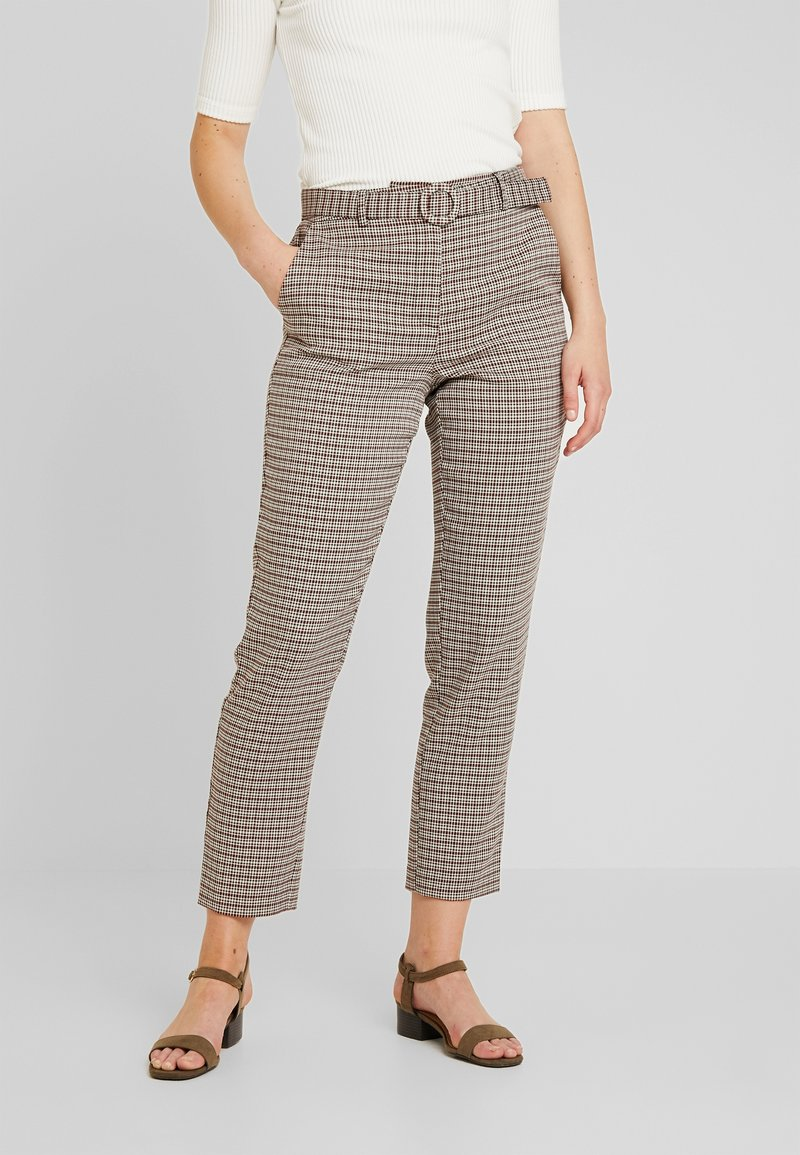 ONLY - ONLISAK PANT  - Pantalones - decadent chocolate