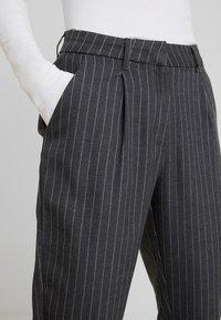 ONLY - ONLKELIA PINSTRIPE PANT - Pantalon classique - dark grey melange - 5