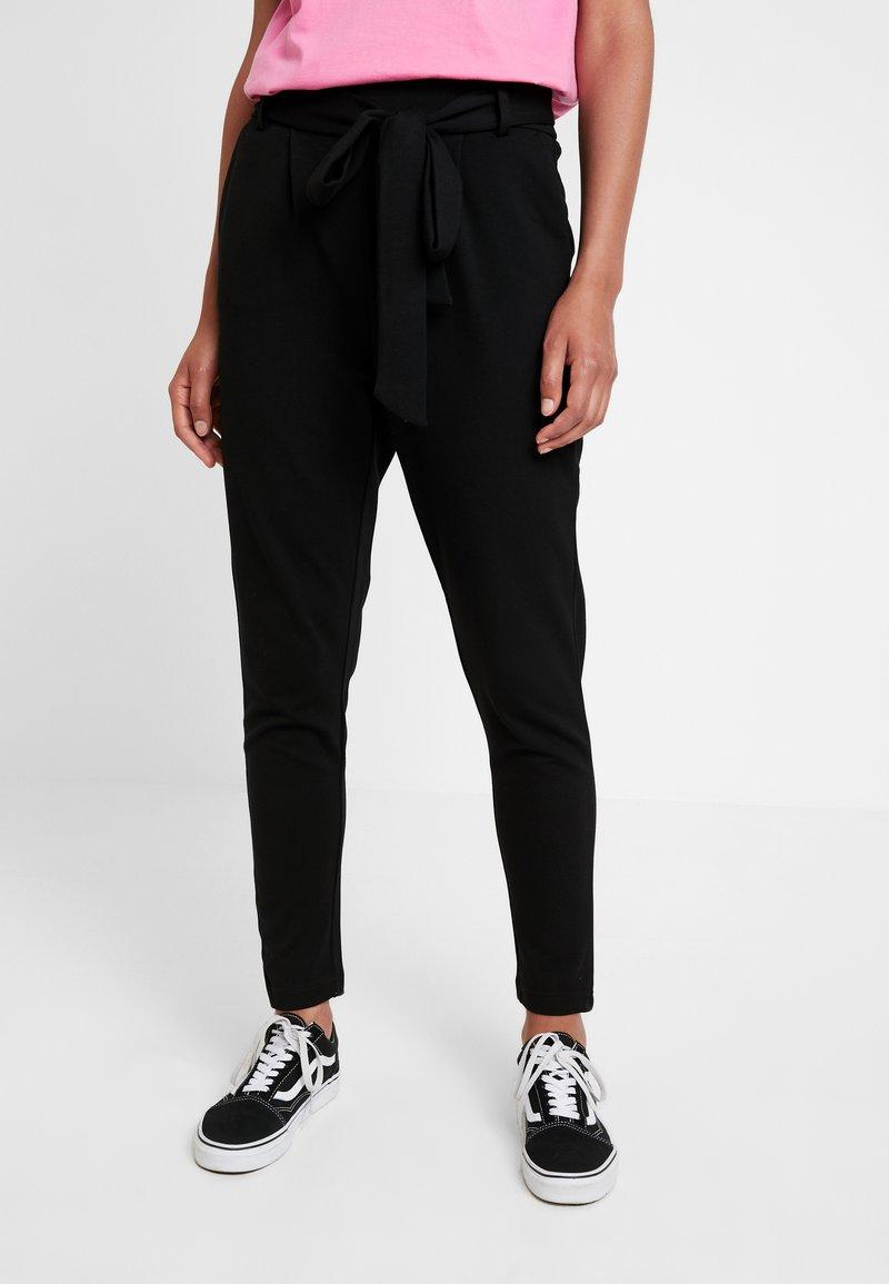 ONLY - ONLPOPTRASH BELT  PANT - Trousers - black