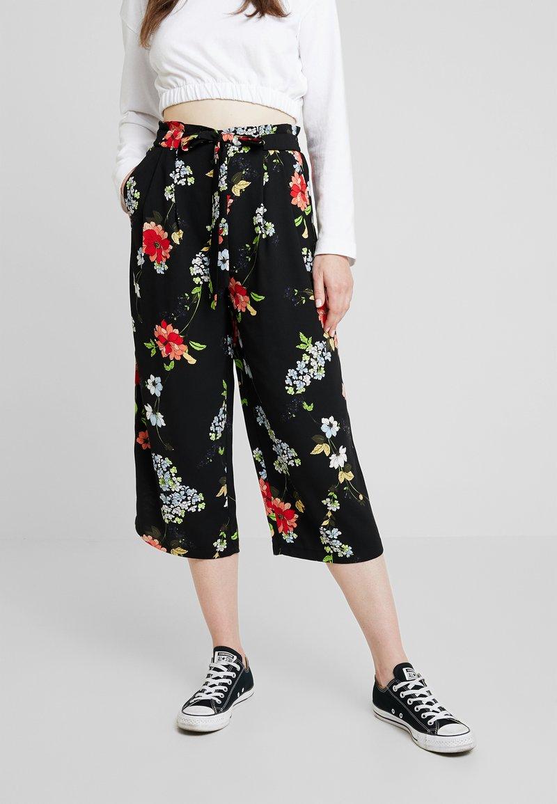 ONLY - ONLJEAN CROPPED PANTS - Trousers - black
