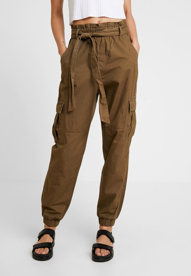 ONLMILES ANCLE PAPERBAG PANT - Pantalones - beech
