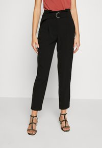 ONLY - ONLRUNA LILI BELT PANT - Trousers - black - 0