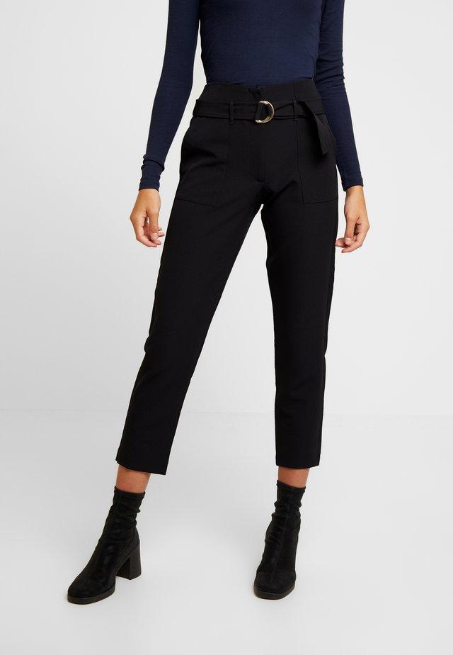 ONLFRESHY GLOWING BELT PANT - Pantalones - black