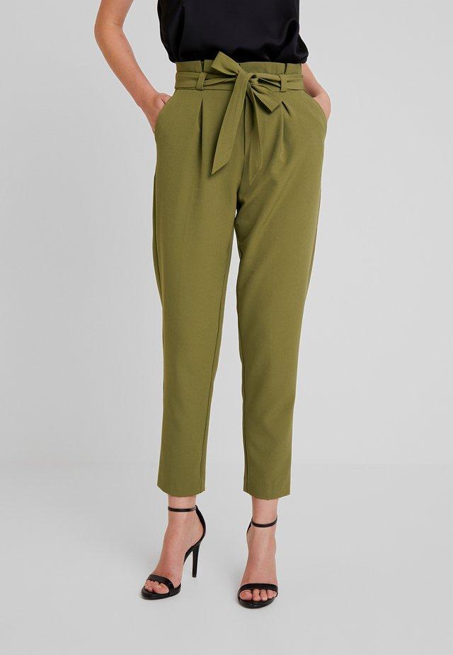 ONLFRESH PAPERBACK PANT - Pantalones - martini olive