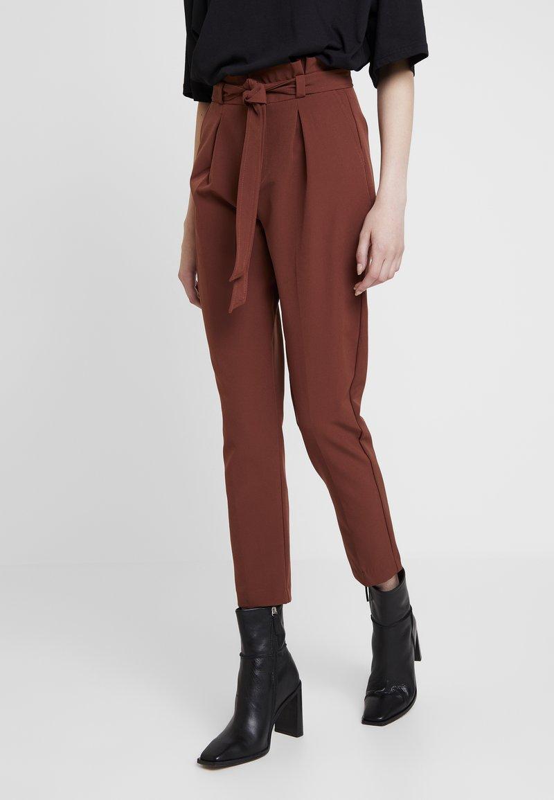 ONLY - ONLFRESH PAPERBACK PANT - Stoffhose - golden brown