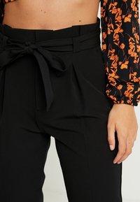 ONLY - ONLFRESH PAPERBACK PANT - Pantalon classique - black - 4