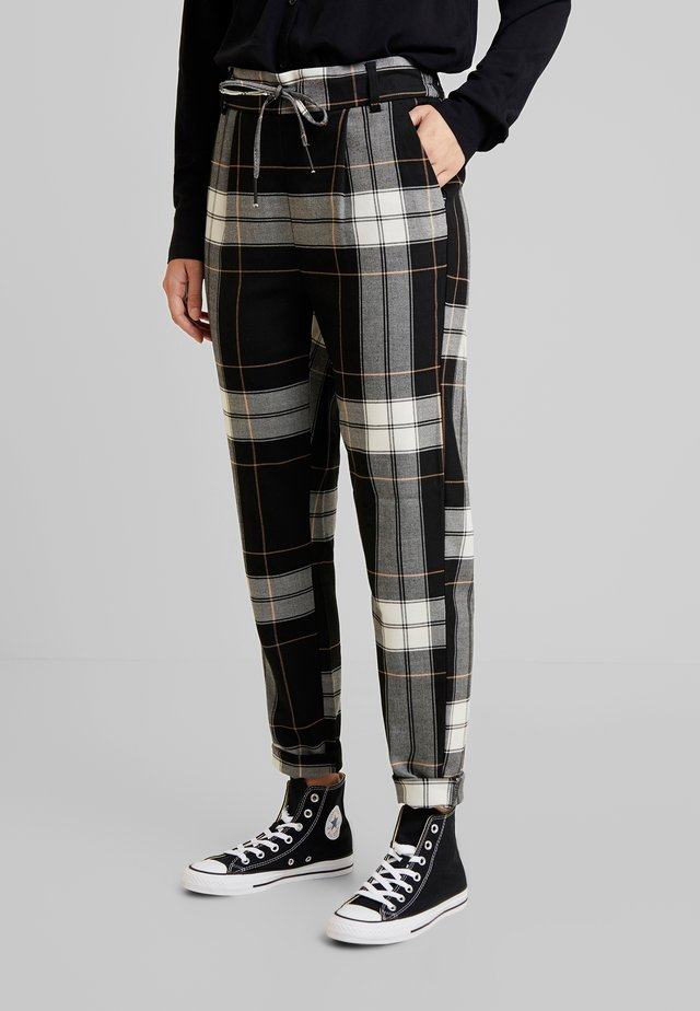 ONLPOPTRASH BEST CHECK PANT - Pantalones - cloud dancer