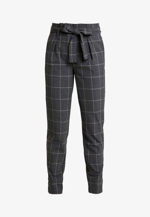 ONLNICOLE PAPERBACK BELT CHECK PANT - Pantaloni - dark grey melange
